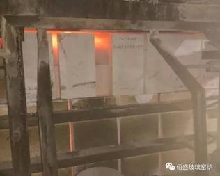 台玻福建光伏玻璃窑炉池壁帮砖顺利完成